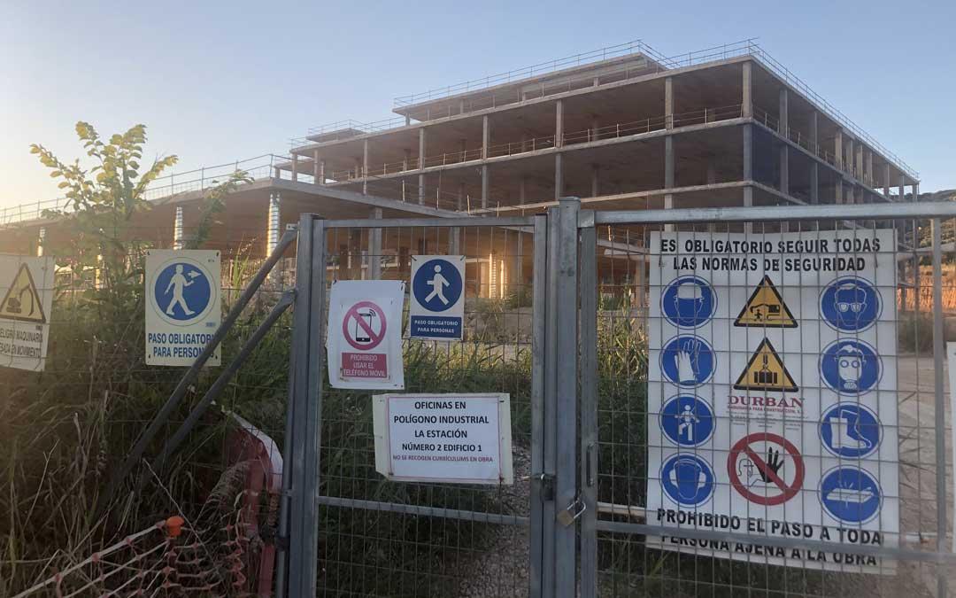 La alcañizana Aragonesa de Obras Civiles se encargará de la estructura, urbanización y servicios del Hospital