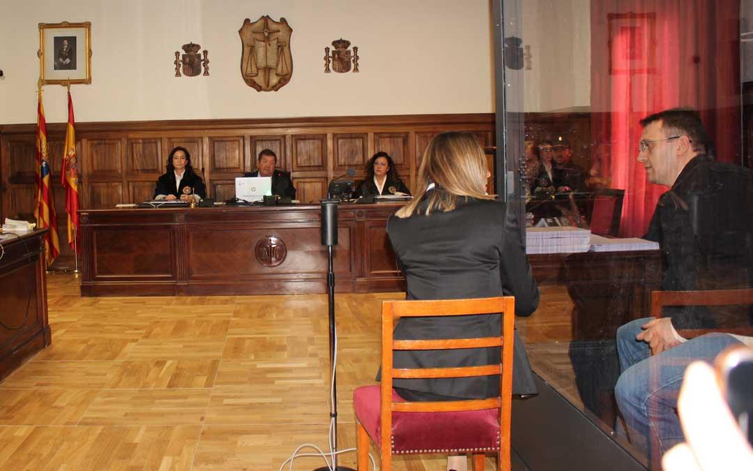 Foto de archivo del juicio a Igor el Ruso por el doble intento de homicidio de Albalate este martes en la Audiencia Provincial de Teruel / M. Quilez