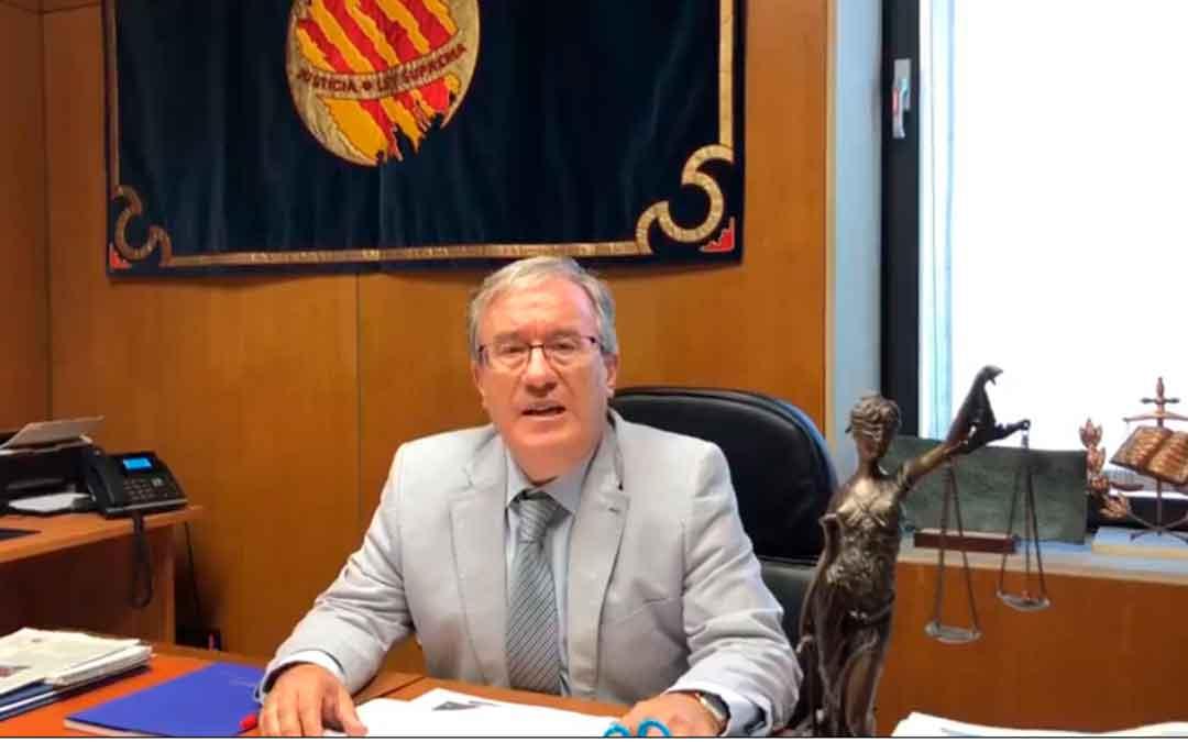 El Justicia de Aragón ha dejado un mensaje a los caspolinos a través del facebook del Ayuntamiento.