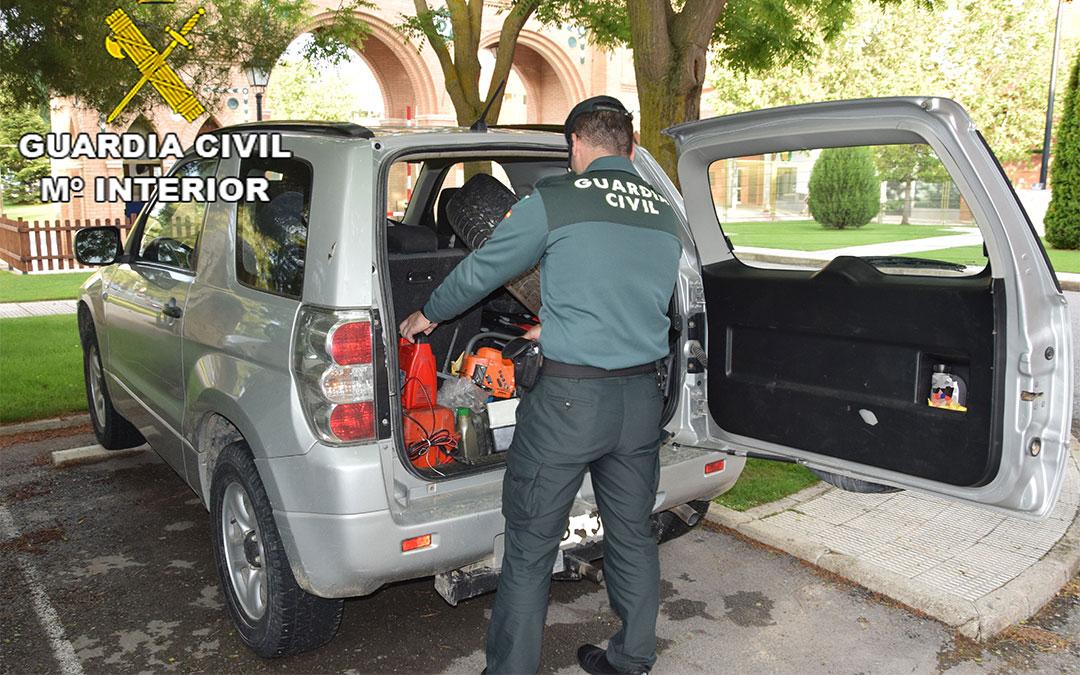 La Guardia Civil de Teruel recupera el vehículo y los efectos sustraídos./ Guardia Civil