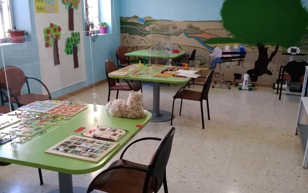 Sala de estimulación preparada para recibir a los usuarios del Centro Terapéutico Los Calatravos./AFEDABA