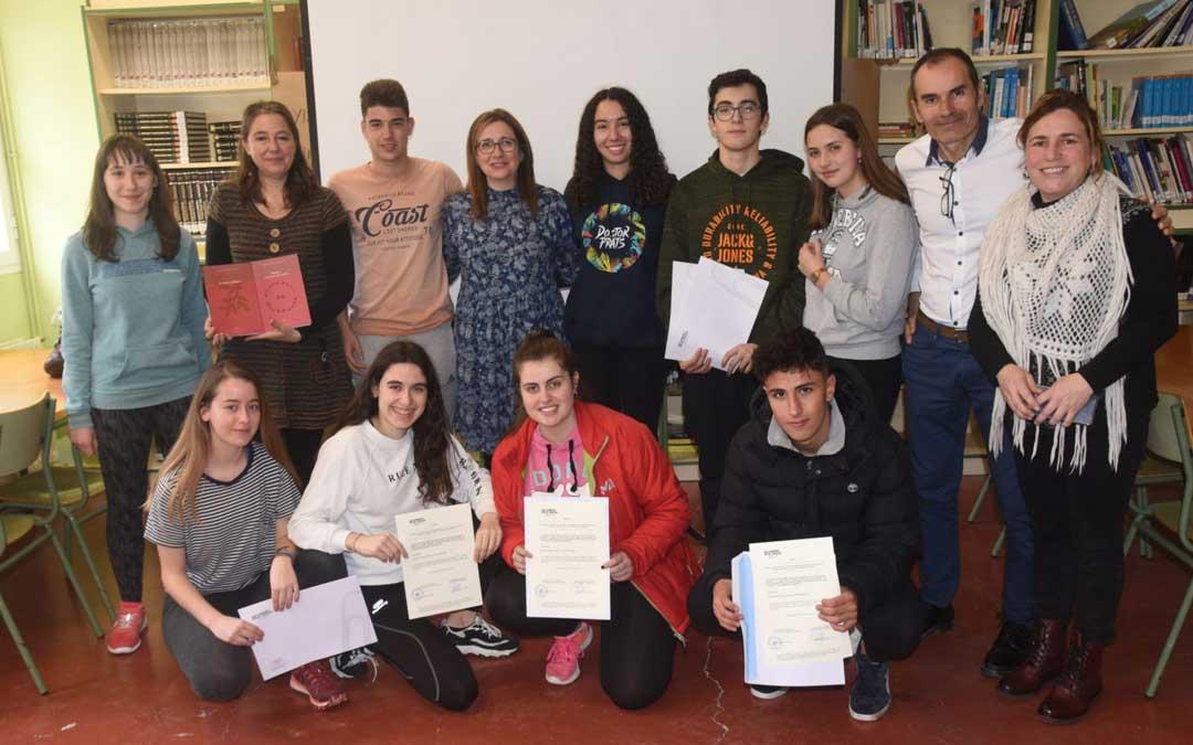 Entrega de los certificados de B2 de Catalán a la última promoción de 4º de ESO