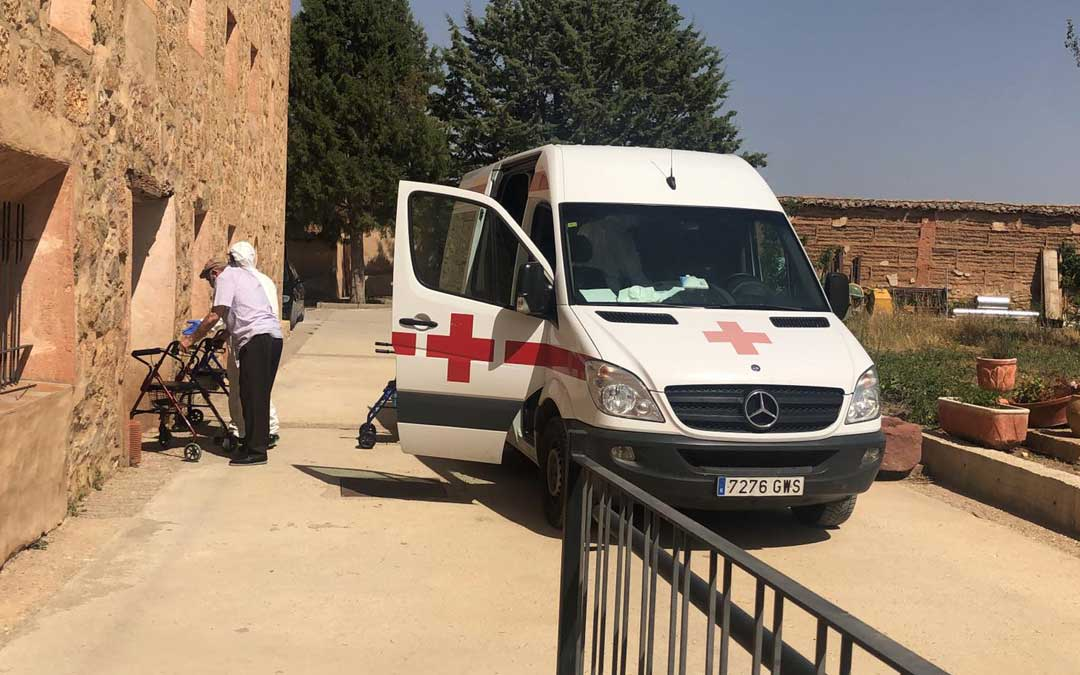 El centro covid de Gea de Albarracín reabrió este jueves con 13 residentes de Burbáguena sin coronavirus. dga