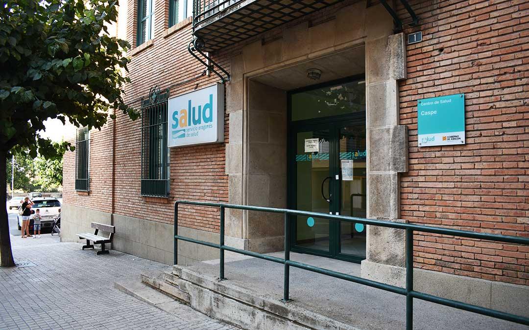 Entrada del Centro de Salud de Caspe.