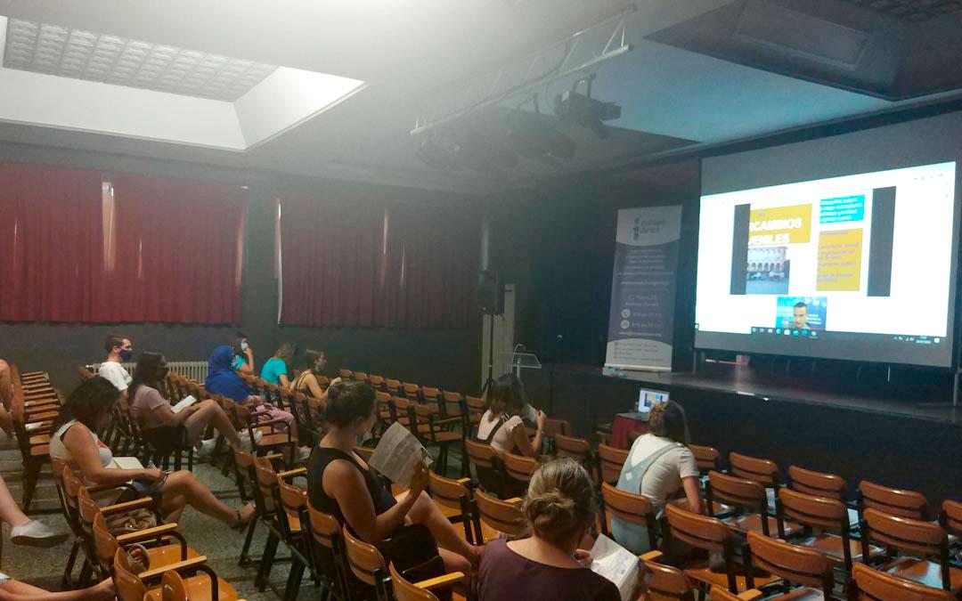 Sesión informativa de este miércoles en Cantavieja./LA COMARCA