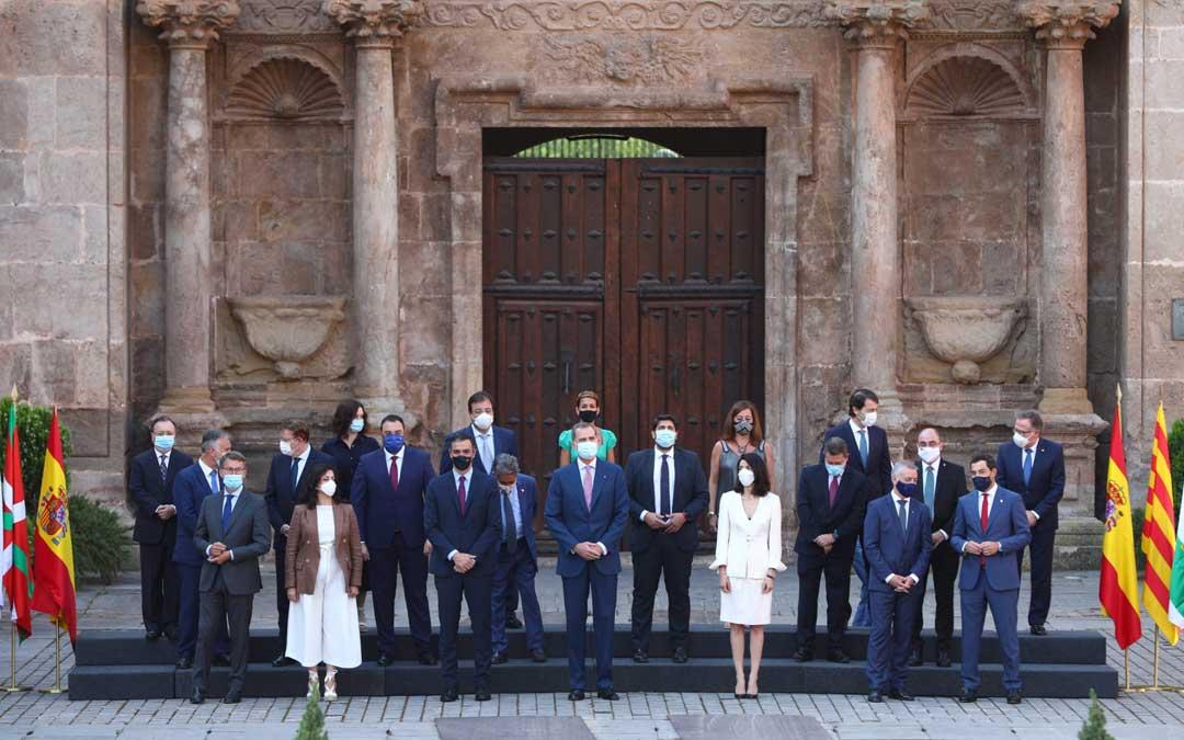 Lambán ha participado en la conferencia de presidentes en el Monasterio de Yuso, en San Millán de la Cogolla, La Rioja, para analizar la situación de la pandemia de covid