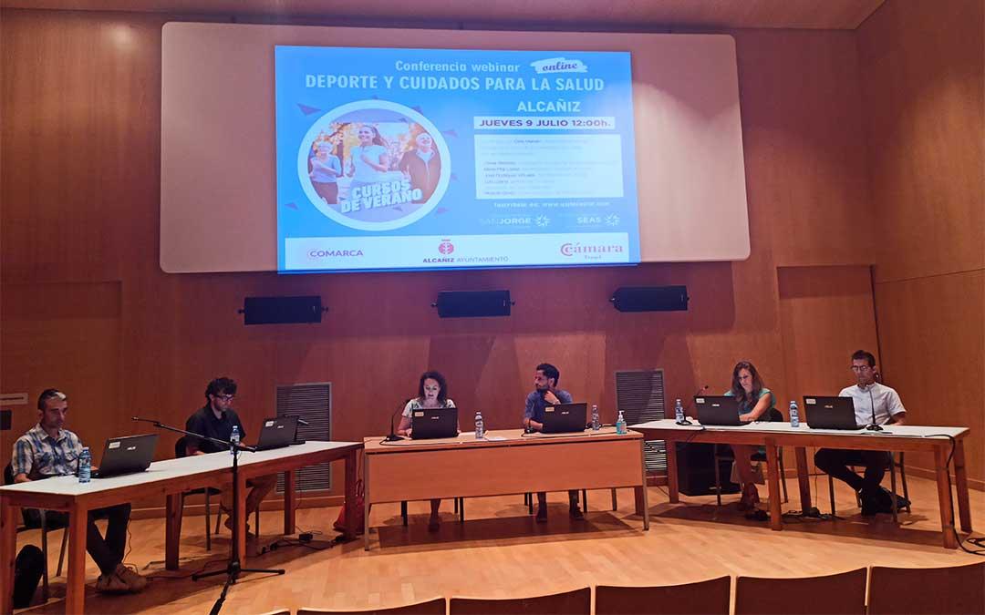 Conferencia webinar 'Deporte y cuidados para la salud' impartida por la Universidad de San Jorge desde el Palacio Ardid de Alcañiz./ M. Celiméndiz