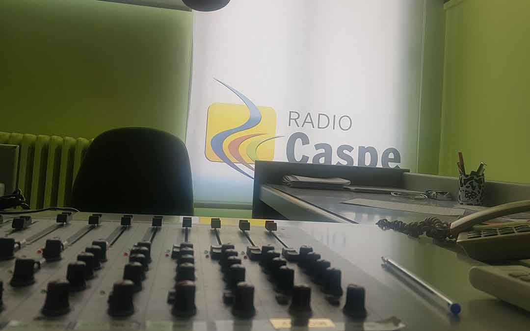 Hoy es tu día en Radio Caspe./Pilar Sariñena