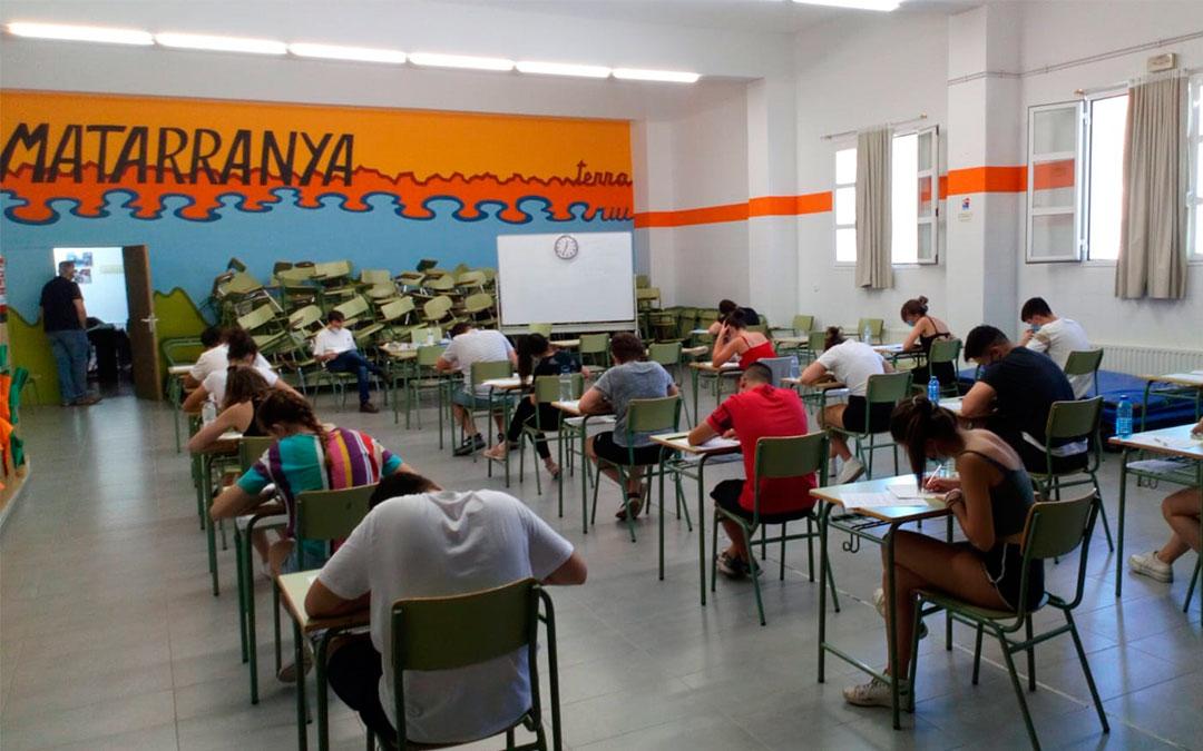 20 alumnos se han examinado de la Evau 2020 en el IES Matarraña de Valderrobres./ L.C.