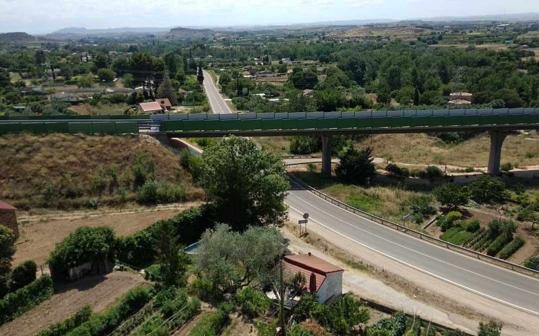 Los hechos tuvieron lugar el domingo por la noche en una vivienda de la carretera de Castelserás