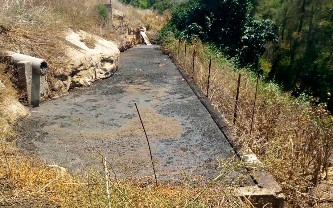 El vertido se ha producido al colmatarse una de las balsas de contención.