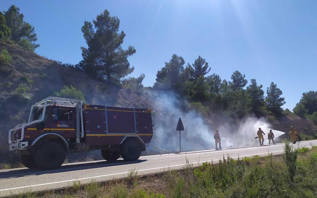 Incendio junto a la carretera A-225, entre Aguaviva y el límite de provincia con Castellón / Ayto. Aguaviva