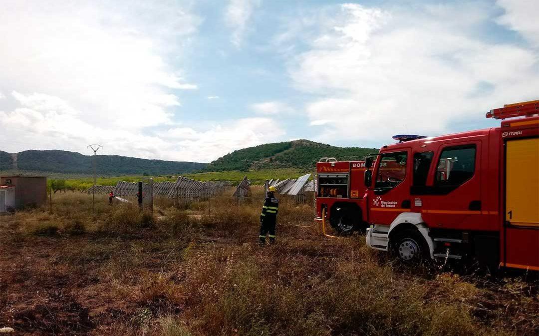 Sofocado un incendio en un huerto solar entre Los Olmos y Alcorisa