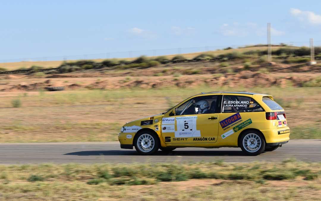 Laura Aparicio a los mandos del Seat Ibiza GTI 2.0 en la prueba disputada en Samper