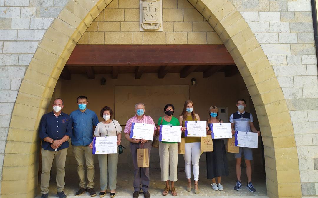 Momento de la entrega de los diplomas SICTED del Maestrazgo en Castellote.