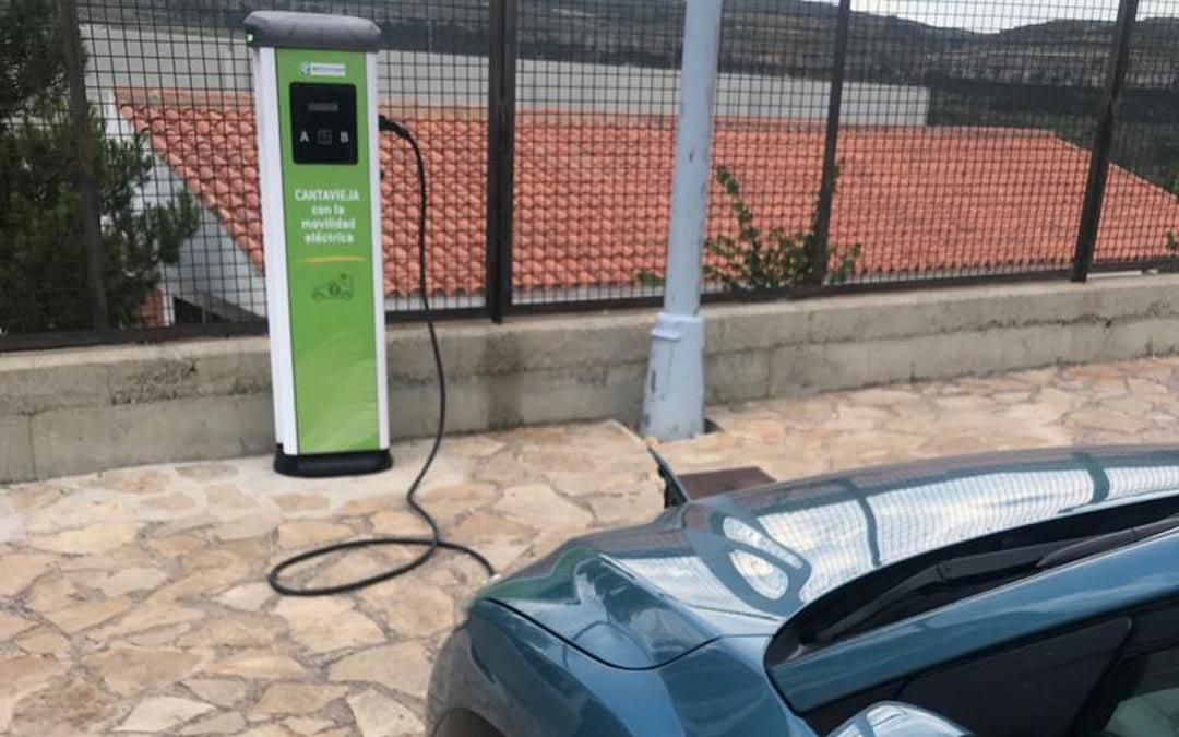 Cantavieja cuenta con un punto de recarga de vehículos eléctricos