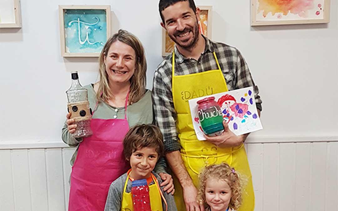 Los talleres creativos también son una actividad para hacer en familia./ C.E.