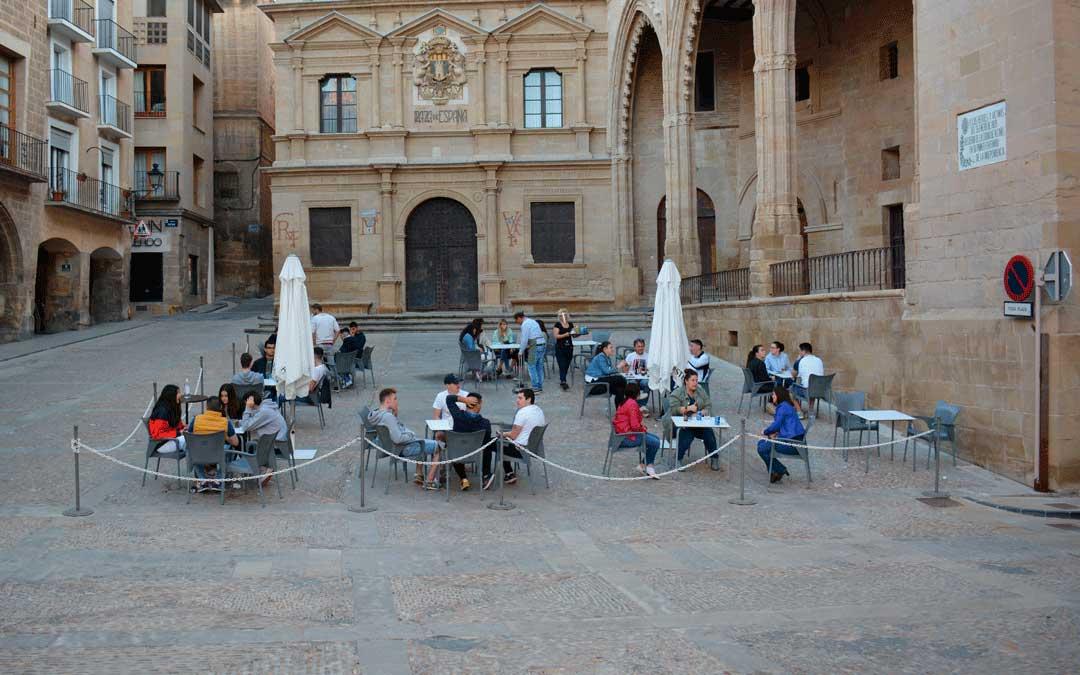 El Ayuntamiento de Alcañiz propone prolongar las terrazas en la avenida Aragón y la plaza España hasta el 31 de marzo