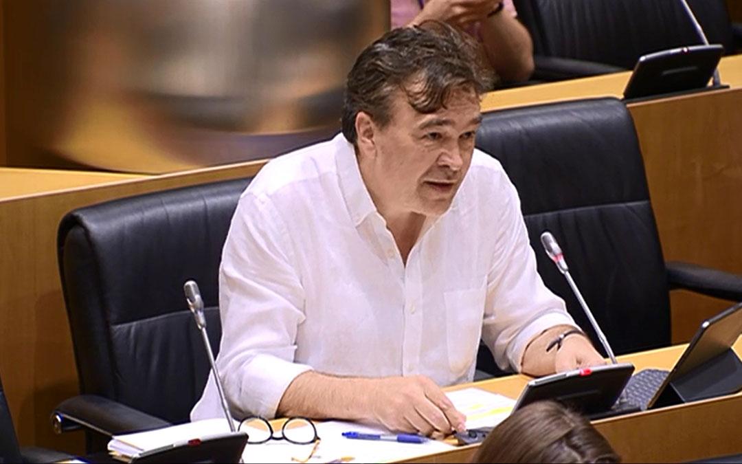 Tomás Guitarte ha defendido las propuestas de Teruel Existe en la Comisión./ Teruel Existe