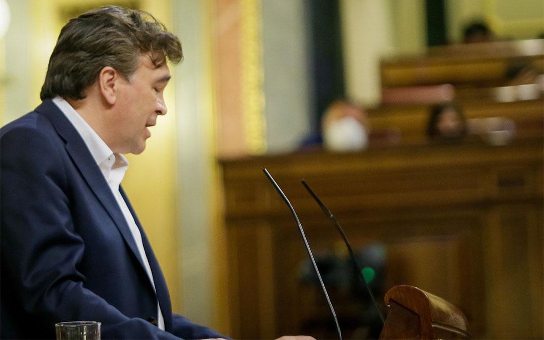 Tomás Guitarte, diputado de Teruel Existe, en el Congreso./ L.C.