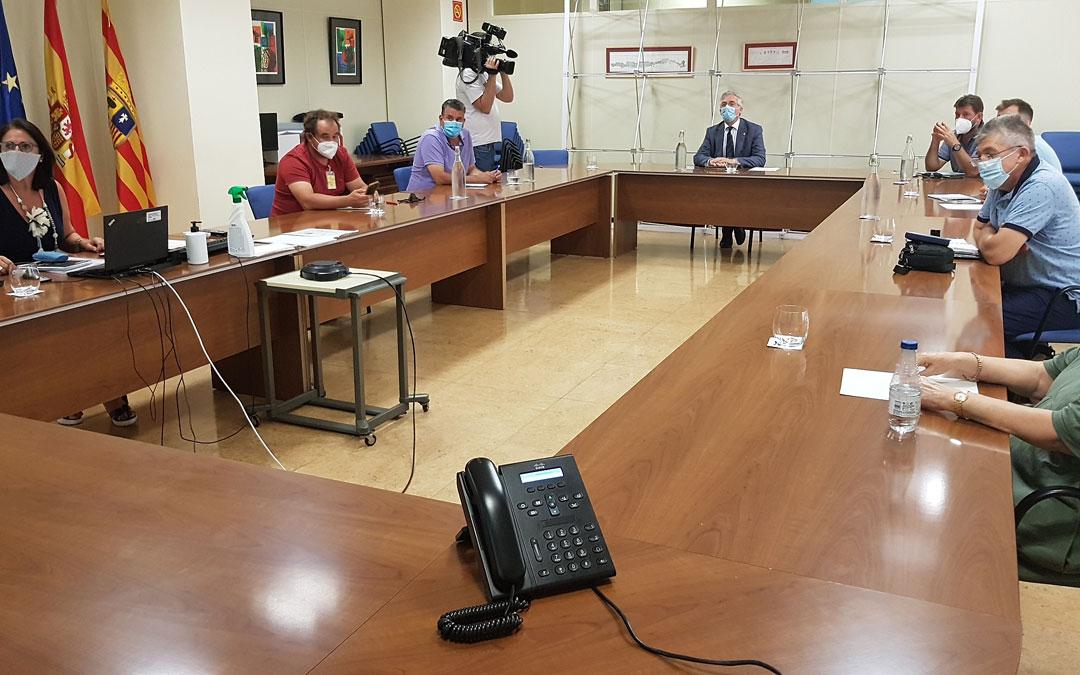Reunión entre el consejero Olona y las organizaciones agrarias. / DGA