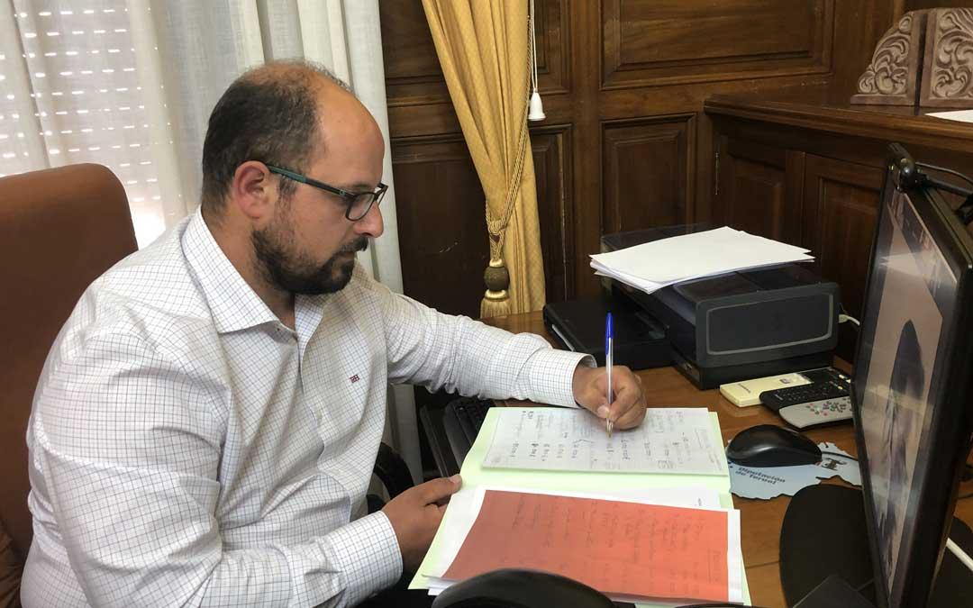 Alberto Izquierdo, diputado delegado del Gabinete Geológico y vicepresidente de la Diputación de Teruel./LA COMARCA