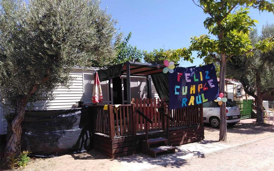 Uno de los bungalós del Camping La Estanca de Alcañiz./ Carmen Morfioli