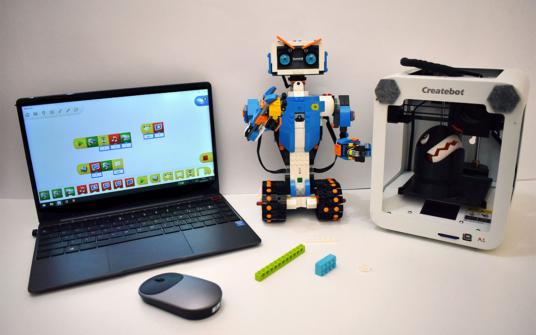 Programación, robots e impresoras 3D en el campus tecnológico de Alcañiz.
