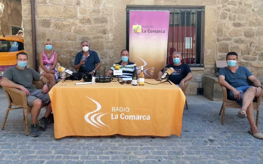 Programa especial emitido desde la plaza de España de Cretas.