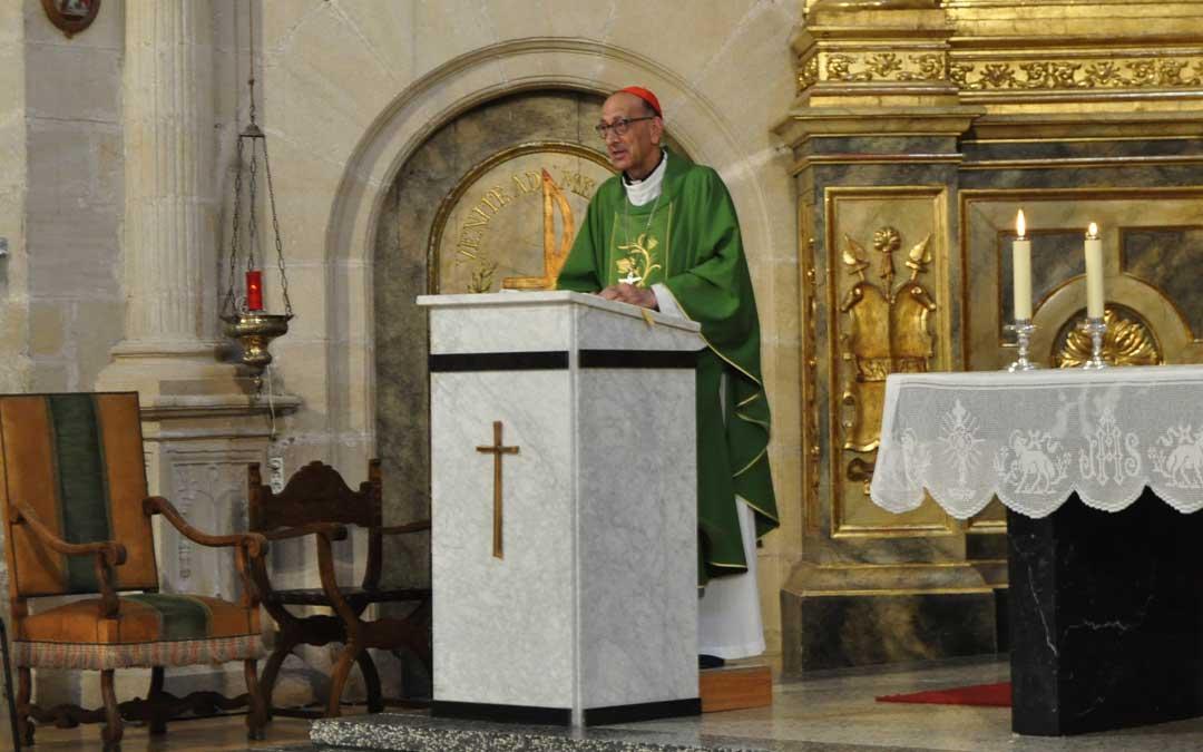 El presidente de la Conferencia Episcopal Española, el cardenal Juan José Omella, ha oficiado la misa de San Roque en Cretas.