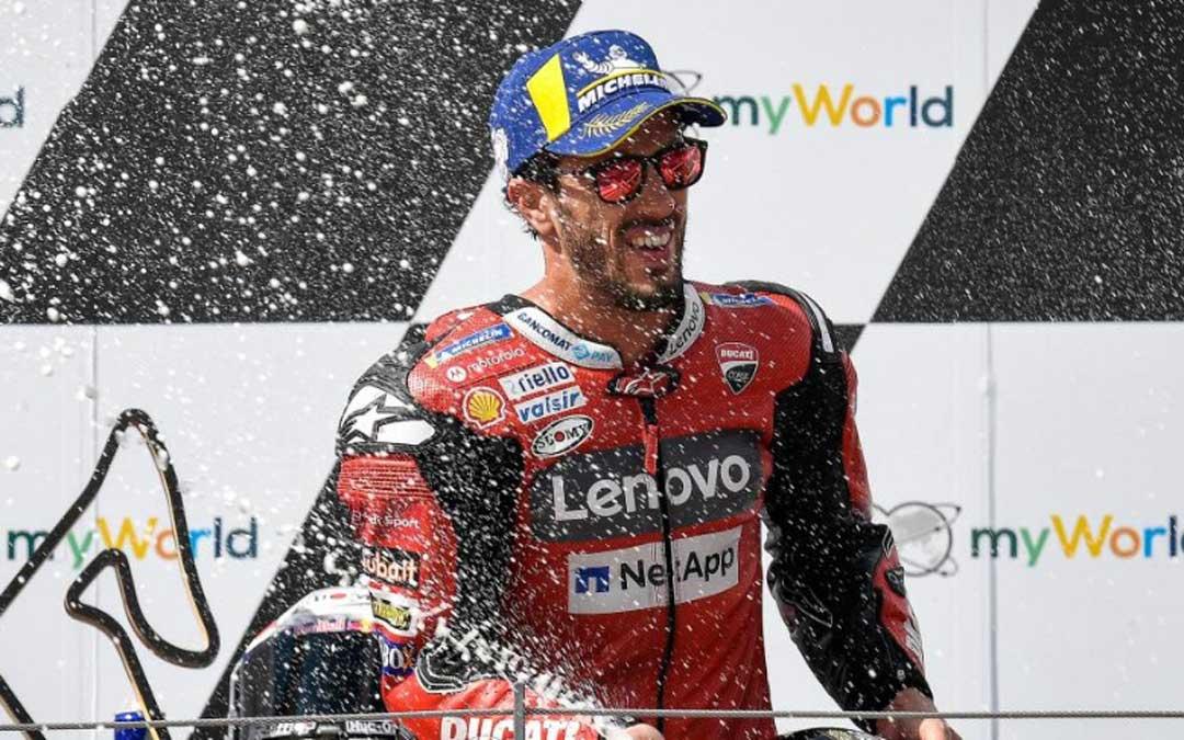 Andrea Dovicioso vence en Austria.