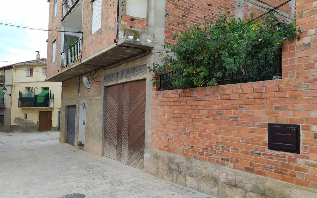 Vivienda de Mazaleón en la que se efectuó el operativo antidroga de la Guardia Civil / La Comarca