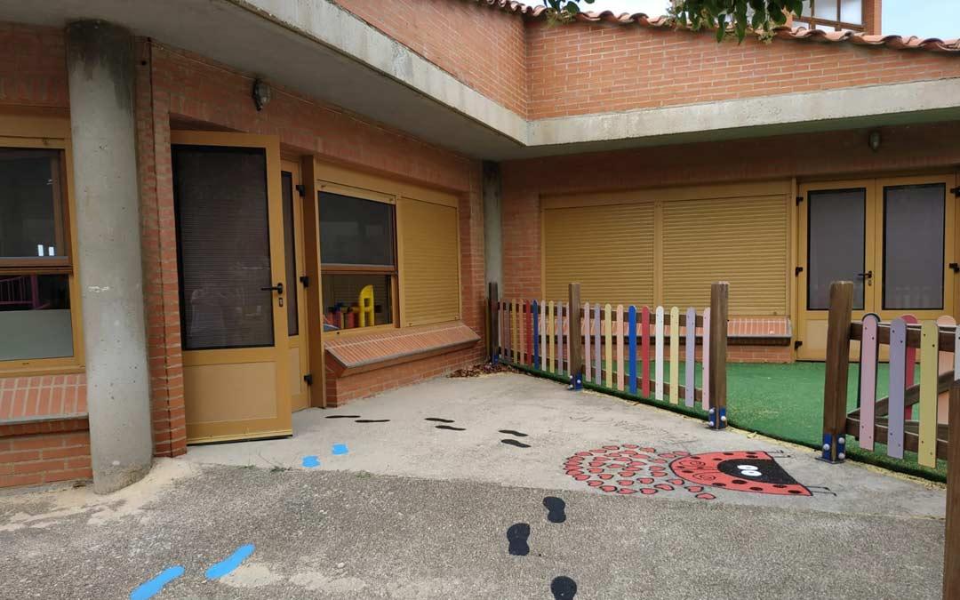 Acceso a la escuela infantil de Andorra./LA COMARCA