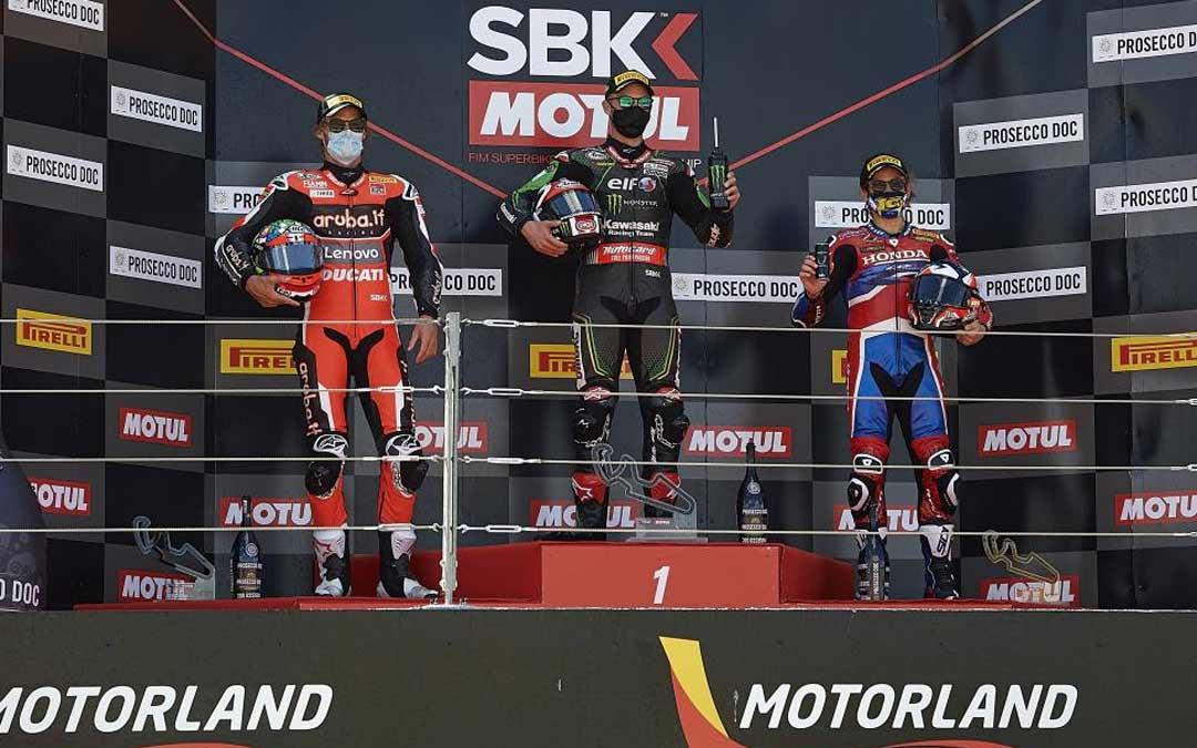 Jonathan Rea recupera el liderato de la clasificación general tras alzarse con la victoria en la segunda carrera de WorldSBK./MOTORLAND