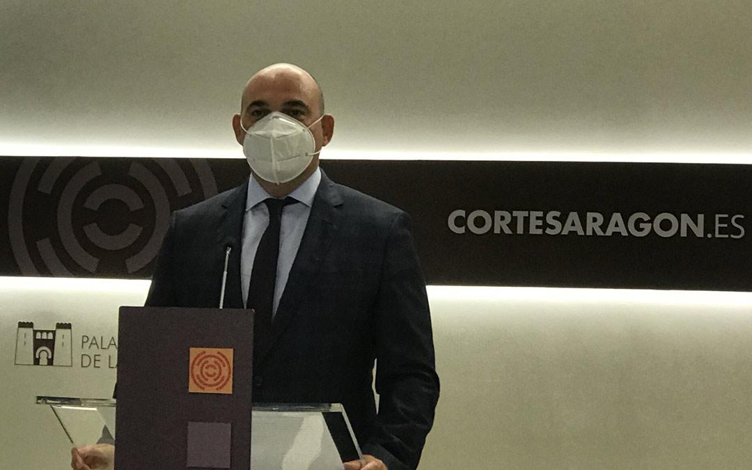 Juan Carlos Gracia Suso, durante una rueda de prensa en las Cortes de Aragón /LA COMARCA