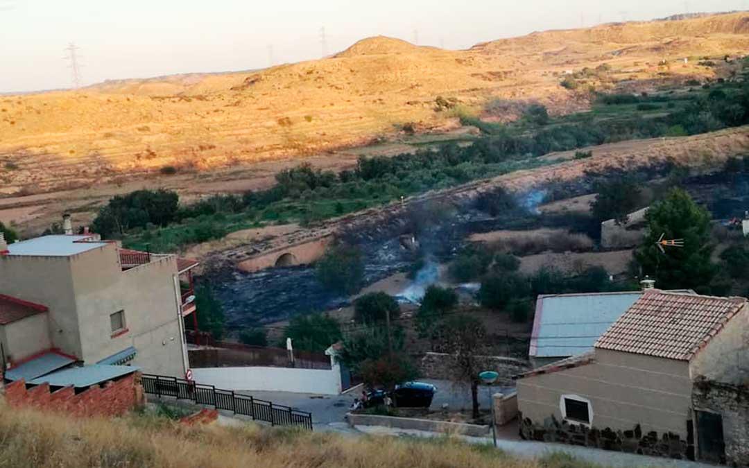 Resultado del incendio en las afueras de la localidad de Escatrón. Imagen: Gema Pina.