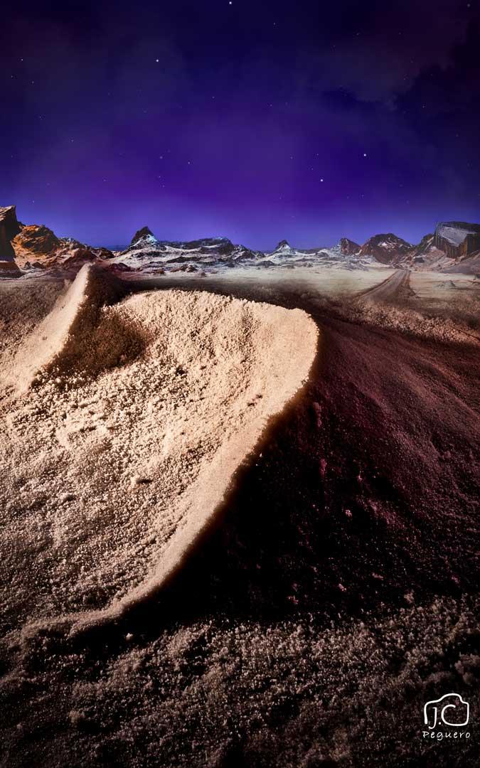 Un desierto compuesto y hecho en casa sobre una mesa. / Juan Carlos Peguero