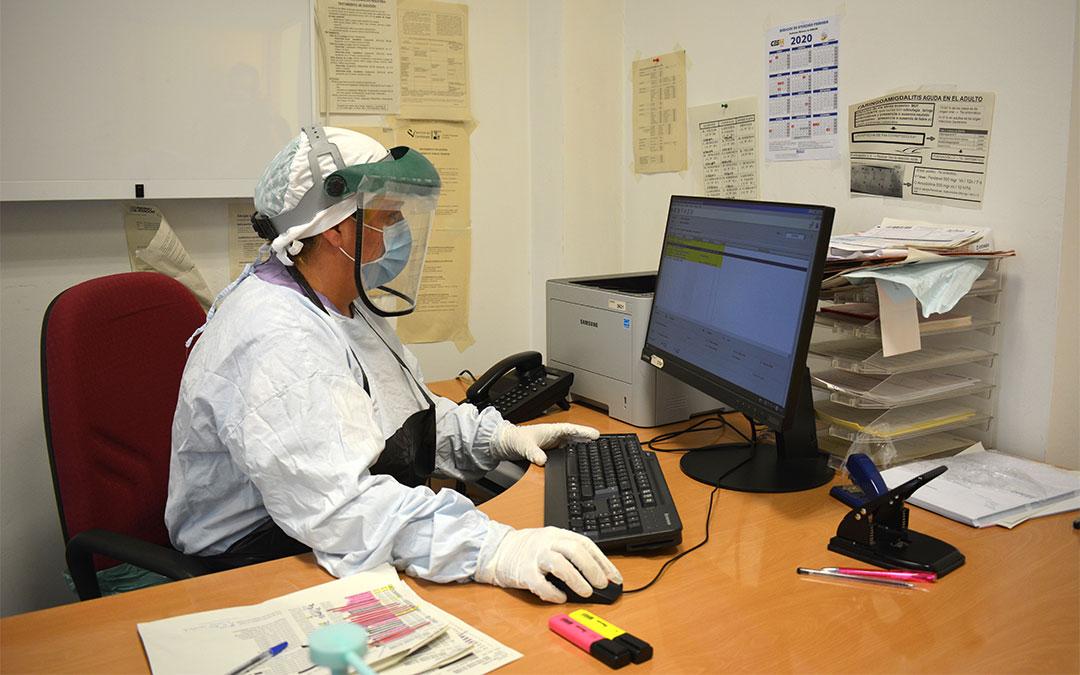 Zona de Urgencias del centro de salud de Alcañiz preparada para realizar pruebas PCR./ M. Celiméndiz