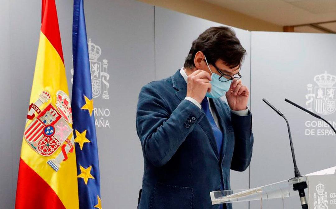 España prohíbe fumar en la calle y cierra el ocio nocturno por el avance del coronavirus