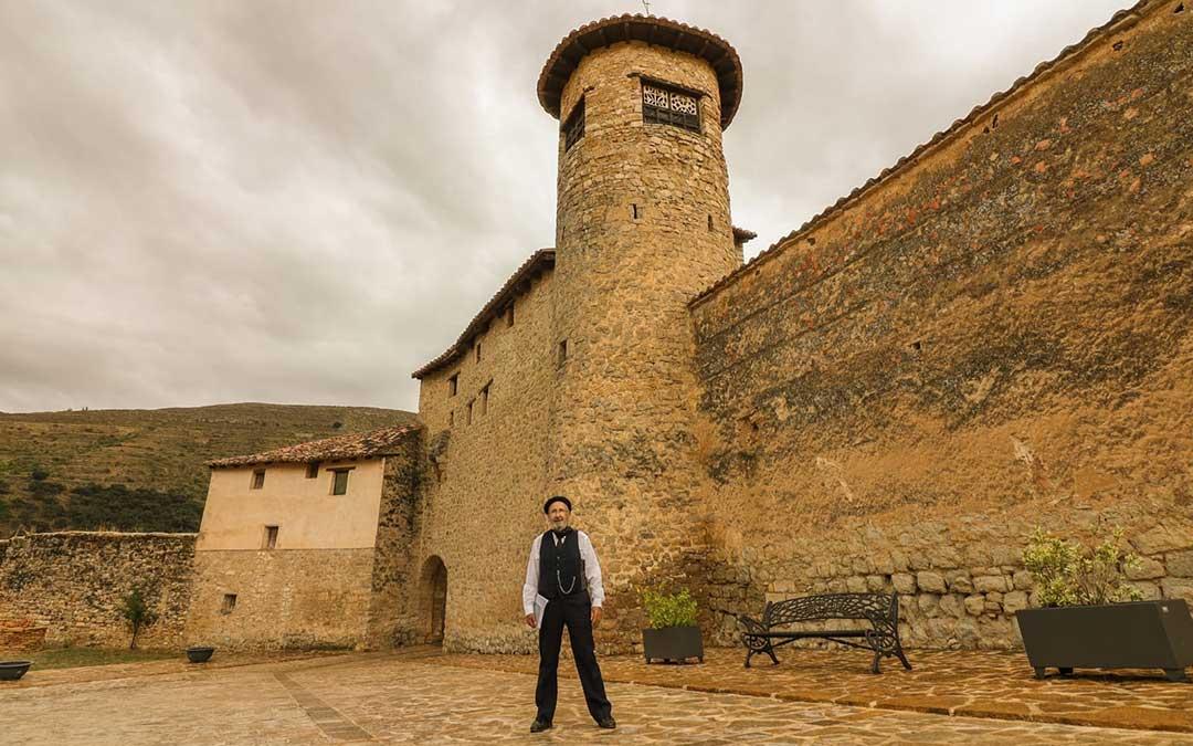 José Miguel Marín es la persona responsable de encarnar al famoso escritor Pío Baroja./ Héctor Marín