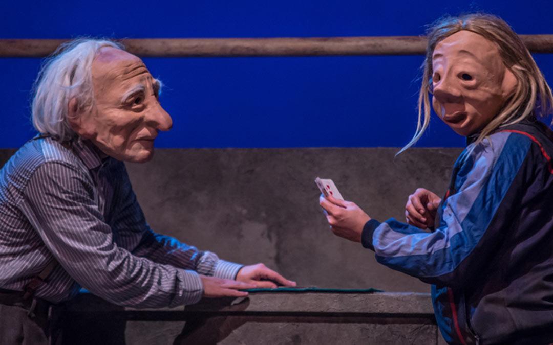 'Solitudes' es una obra teatral con máscaras./L.C.