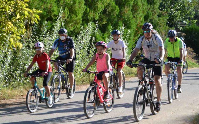 Cincuenta ciclistas participan en la inauguración de la Ruta Las Saladas de Alcañiz