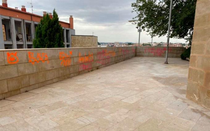 Los autores limpiarán sus propias pintadas en Alcañiz