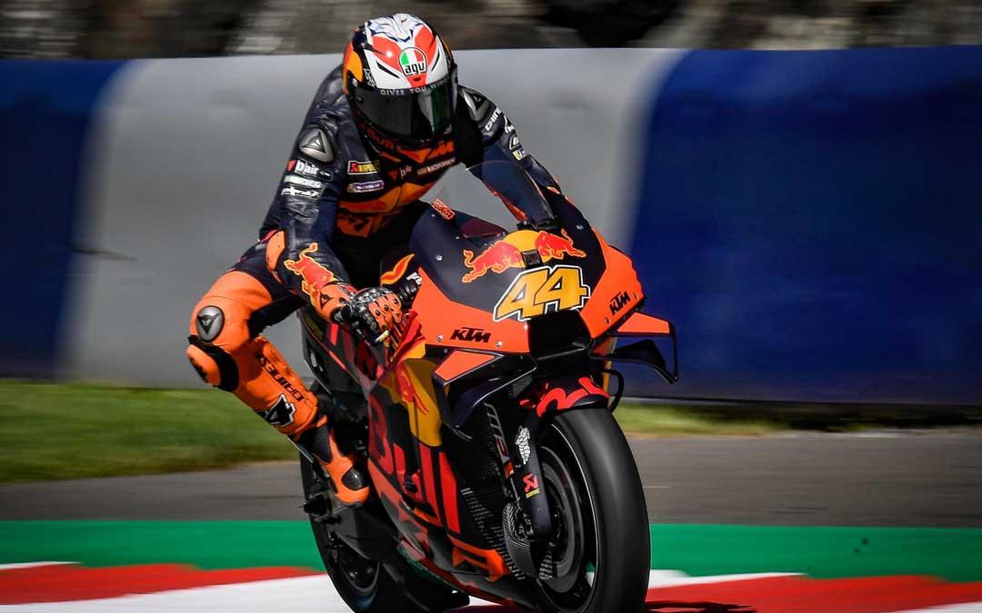 Pol Espargaró a los mandos de su KTM. MotoGP