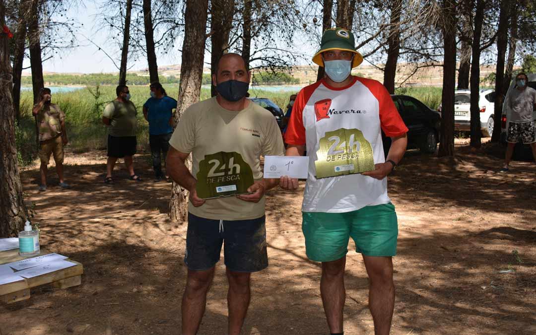 Primer equipo clasificado, Carlos Moreno y Pedro Membrado, con un total de 38Kg./I.M.