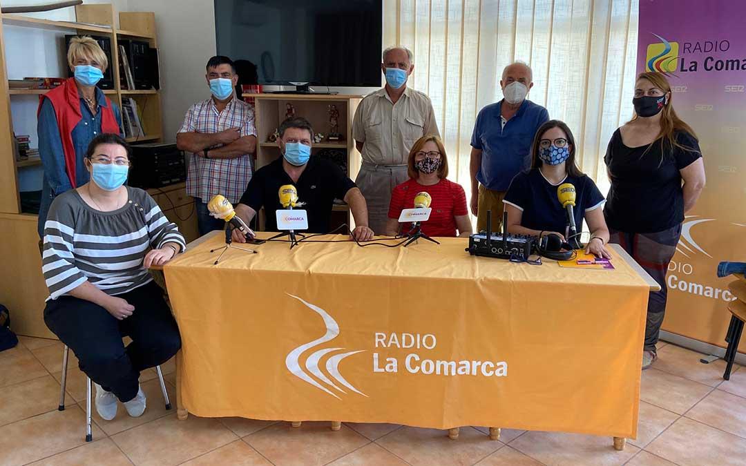 Invitados al programa especial de Radio La Comarca en La Codoñera./ L.C.