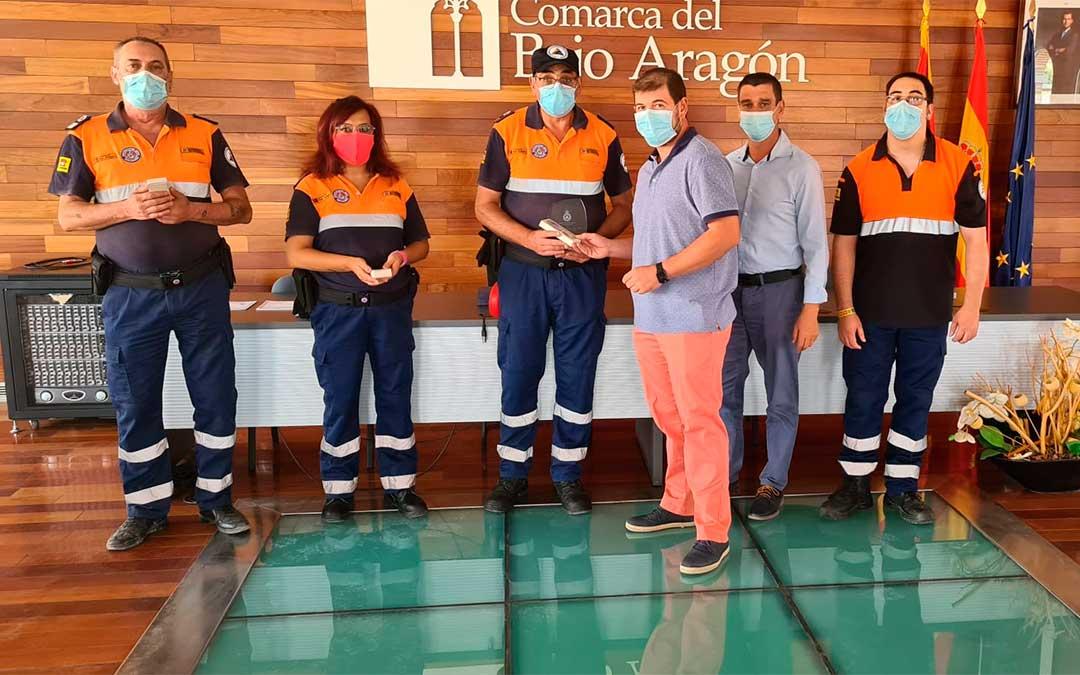 Entrega de medallas a la agrupación de voluntarios de Protección Civil 'Salvamento Bajo Aragón' por su ayuda durante la pandemia./ Comarca del Bajo Aragón