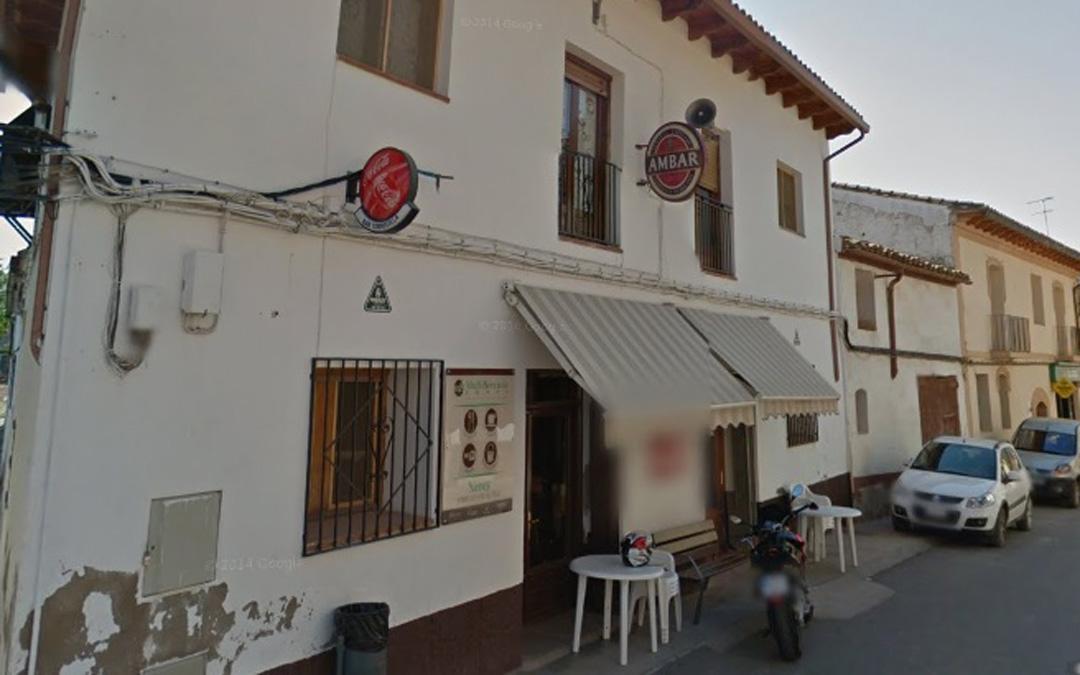 Fachada del multiservicio en la travesía de la calle San Miguel de Torrecilla. / Google Street