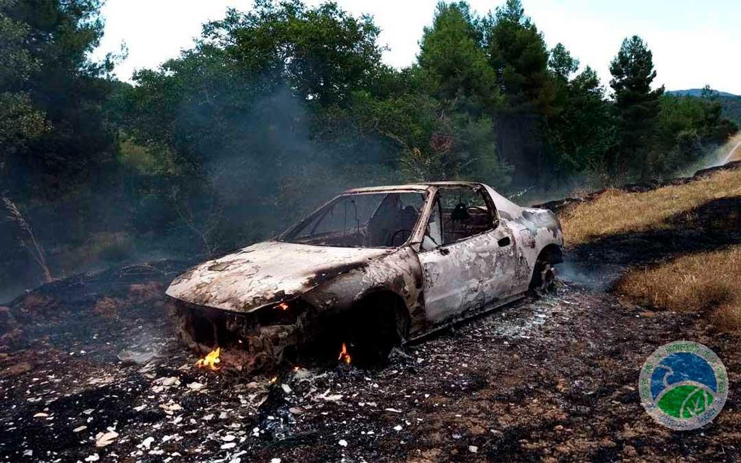 Vehículo implicado en el conato de incendio de Monroyo./ AAPNA