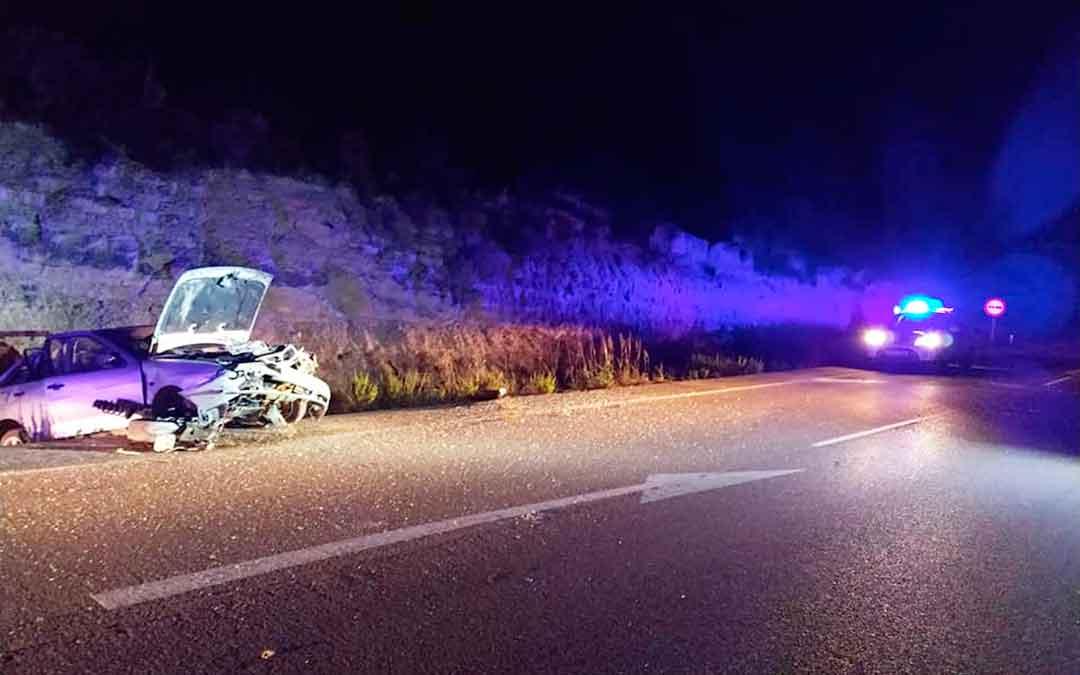 Imagen del coche accidentado. Fuente: Protección Civil Bajo Aragón-Caspe.